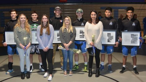 McNary recognizes senior wrestlers in final dual