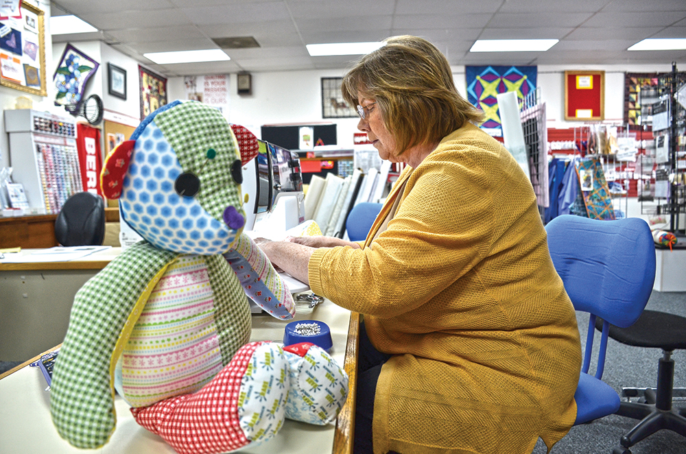 RARE Bears spotted at Keizer sewing shop