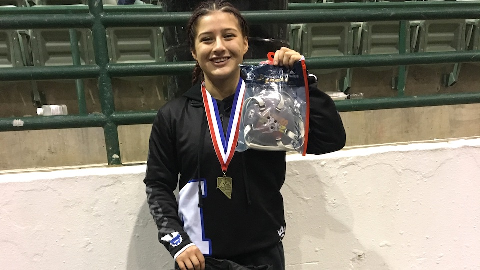 McNary sophomore wins girls tournament