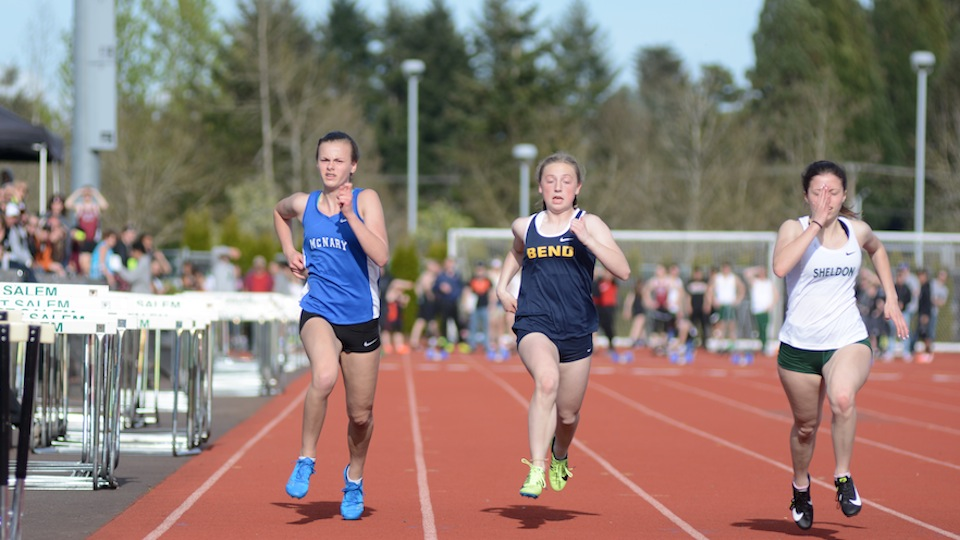 Doutt sisters lead McNary at Dick Baker Invitational